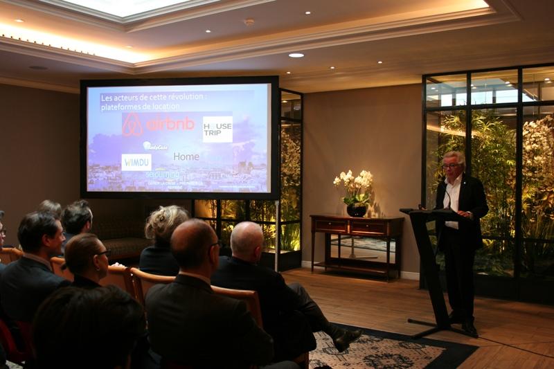 Didier Chenet, le président du Synhorcat lors de sa présentation sur l'économie collaborative à l'hôtel Littré. DR
