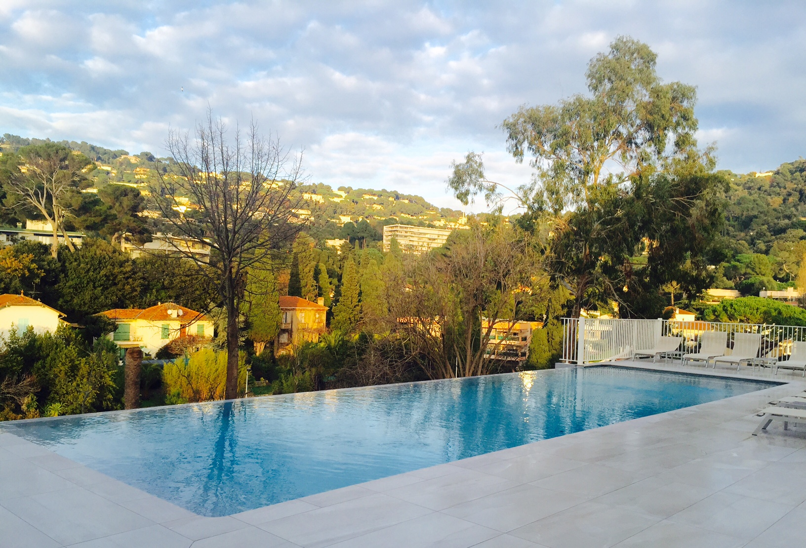 Pool of the hotel La Bastide de l'Oliveraie