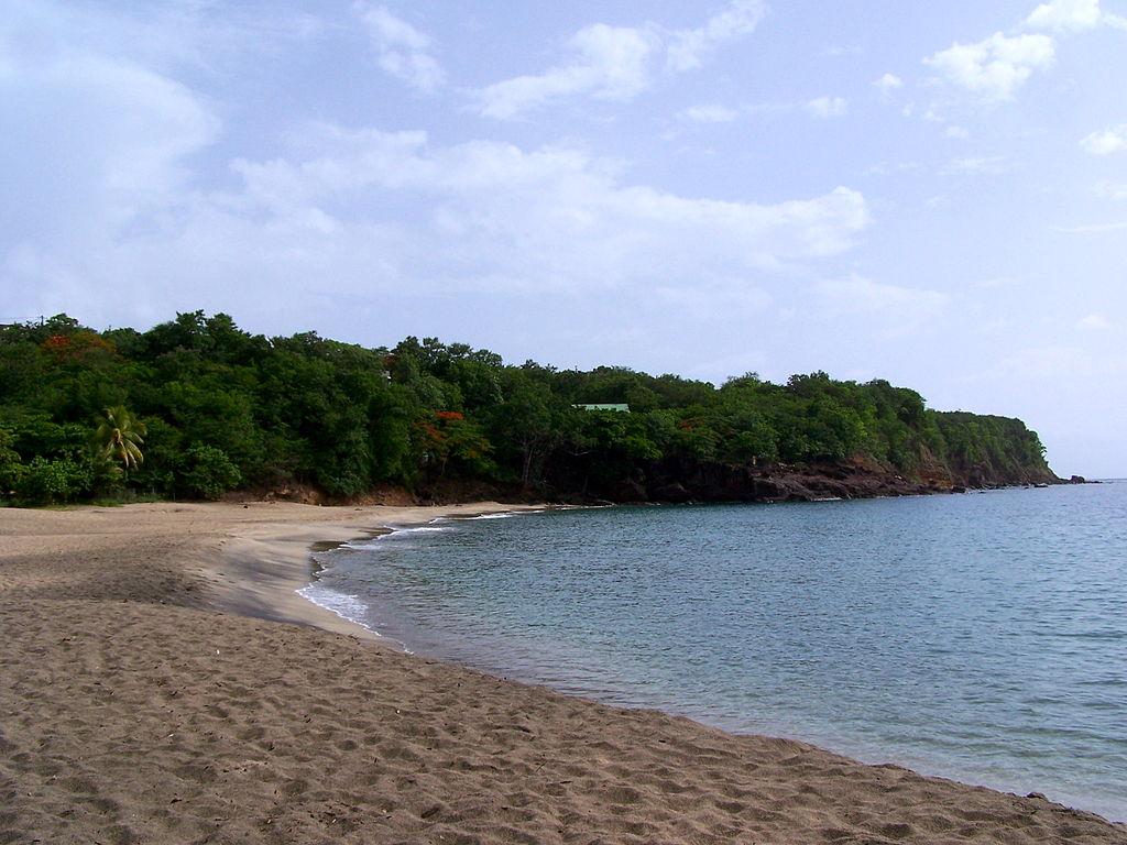 Plage de la Petite Anse à Ferry, Guadeloupe. © LPLT, Wikimedia Commons, cc by sa 3.0