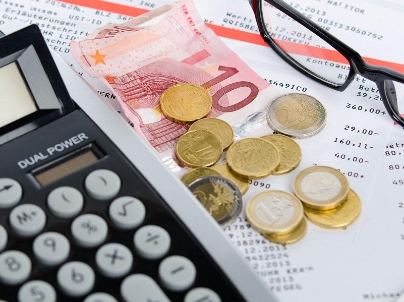 Seul le salaire minimum conventionnel garanti du Groupe A augmentera de 0,6 % pour s'aligner sur le SMIC en 2016 dans le tourisme - Photo : © Picture-Factory - Fotolia.com