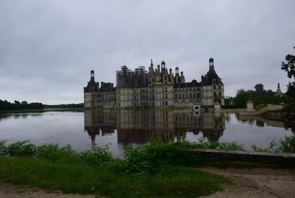 Le château de Chambord encerclé par les eaux, suite aux intempéries - PHOTO Chambord
