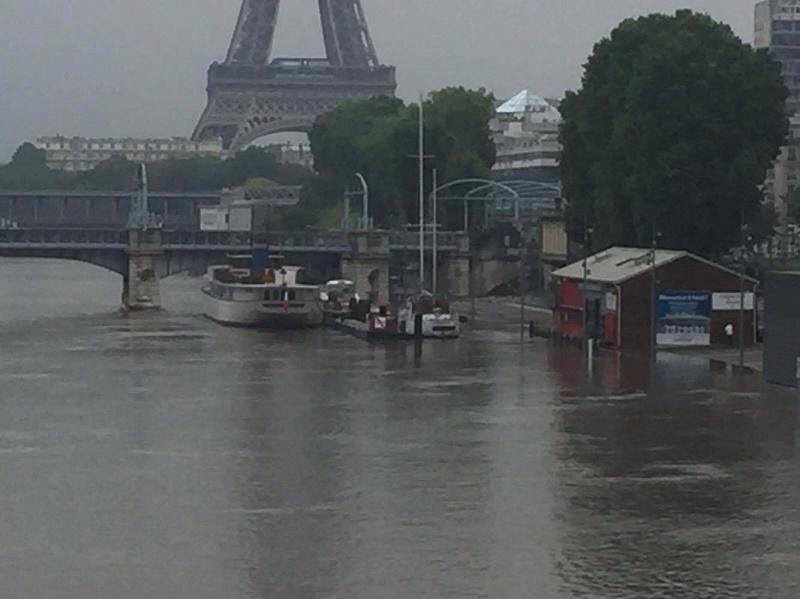 L'activité sur la Seine est à l'arrêt en raison de la crue du fleuve - DR : C. Terrade
