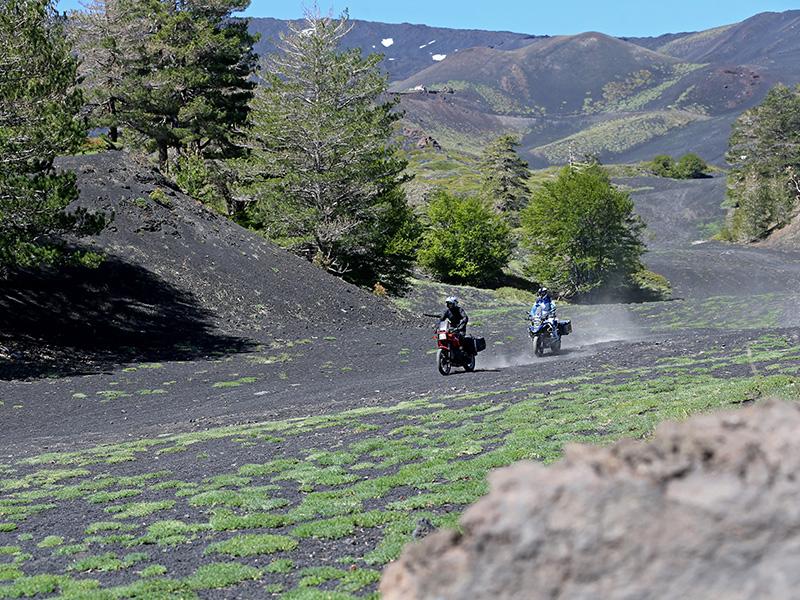 Troisième journée pour les motards. Départ pour le parc de l'Etna - DR : G.S