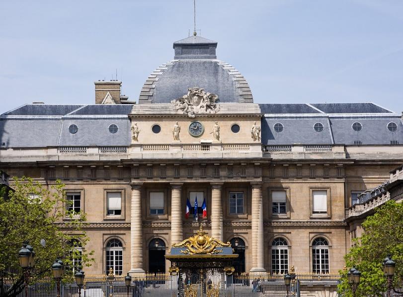 Le comité d'établissement de la mutuelle assigne l'APST devant le tribunal de grande instance de Paris pour récupérer ses acomptes - Photo : Palais de Justice de Paris - Tof Locoste-Fotolia.com