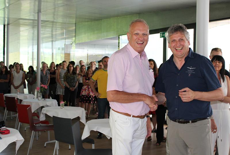 Les équipes de Travel Europe fêtent les 60 ans d'Anton, leur patron - DR