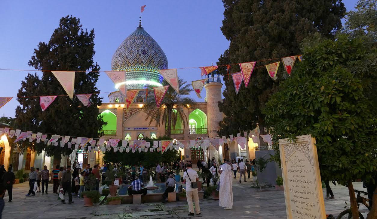 A Chiraz dans la douceur d'un soir de ramadan - Photo Bernard Moulin