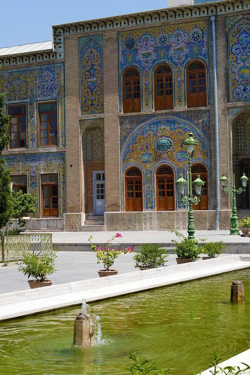 Le Palais du Golestan (Palais des Fleurs), dans la capitale, abritait les souverains Kadjars qui  régnèrent sur le pays du XVIII e au début du XX e siècle - Photo Bernard Moulin