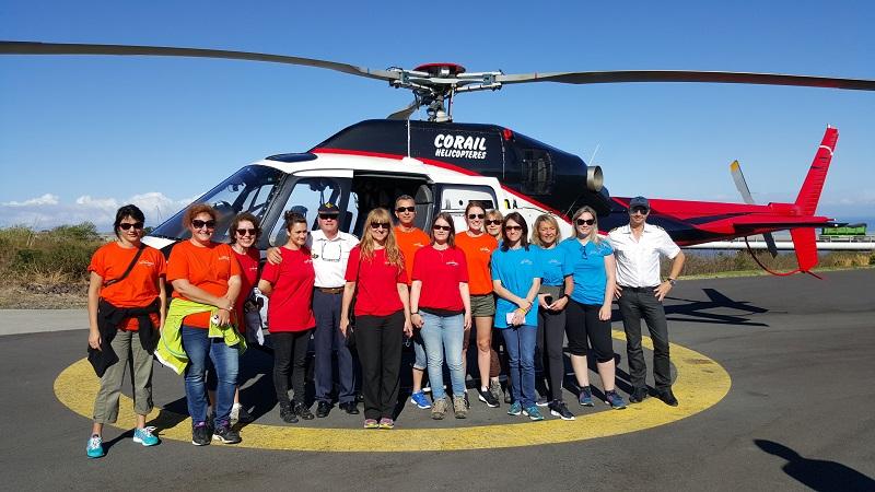 Départ pour un survol de l'île en hélicoptère pour les équipes françaises - DR : A.B.