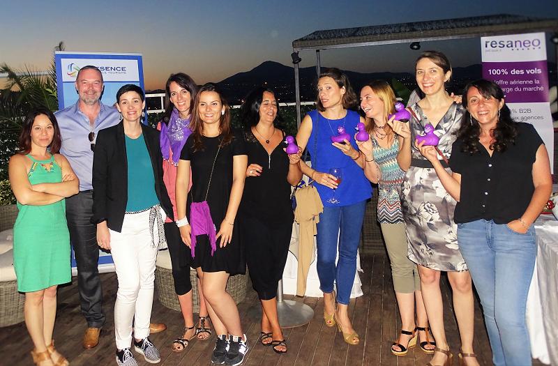 Gagnants de la soirée en compagnie de l'équipe Resaneo et Présence Assistance Tourisme