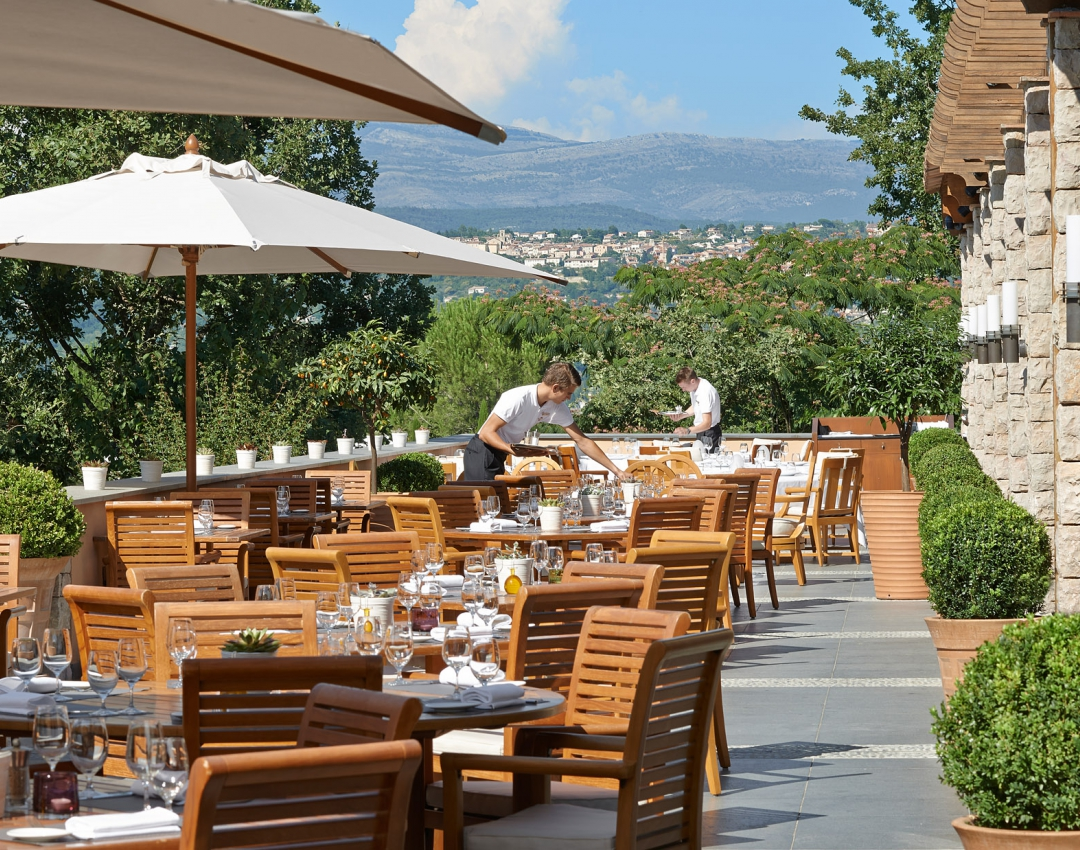 Terrace of the Faventia restaurant - Terre Blanche