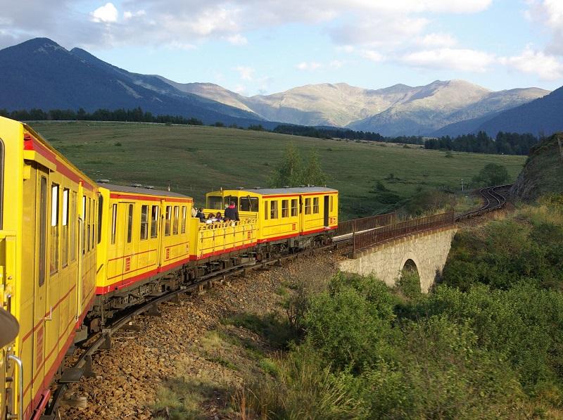 En Cerdagne, hormis le fabuleux Train Jaune, joyau ferroviaire qui glisse au cœur de la ruralité - un voyage inoubliable l'été, dans les wagons ouverts -, pas de grands monuments, ni de sites prestigieux - DR : J.-F.R.