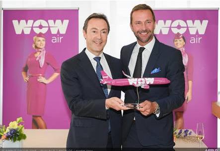 Fabrice Brégier, PDG d'Airbus, et Skúli Mogensen, PDG de WOW Air - Photo : Airbus