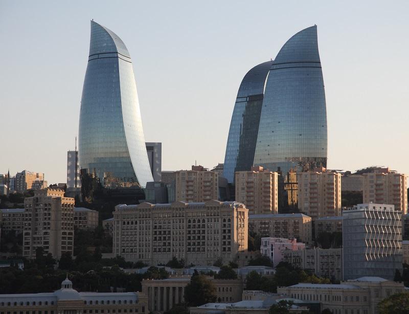 Bakou : les célèbres flammes de l'hôtel Fairmont - Photo : Chantha Chea