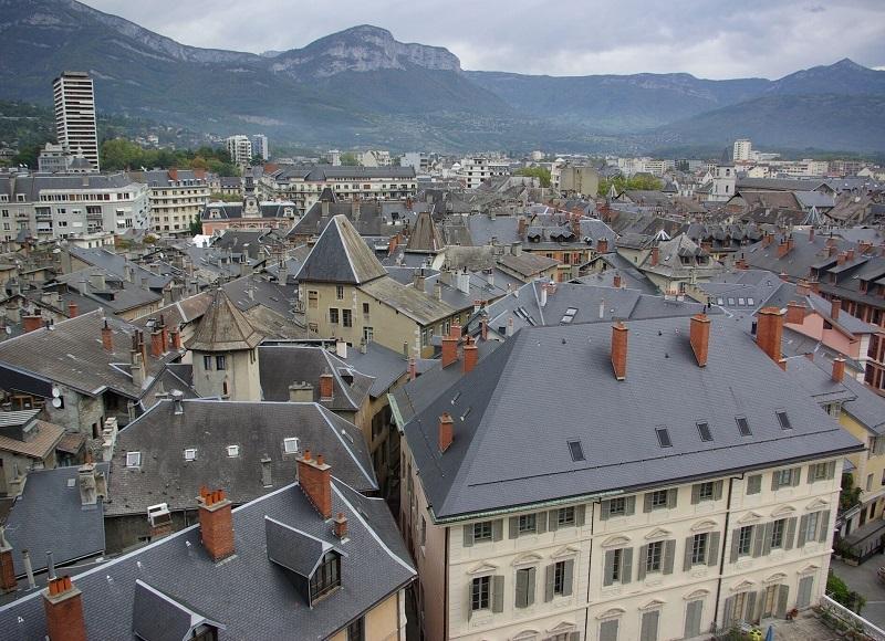 « Chambéry, cité nature », on n'y pense pas d'évidence. La préfecture se prête plus spontanément à la visite des lieux phares de l'ex-royaume de Savoie, château des Ducs en tête - DR : J.-F.R.