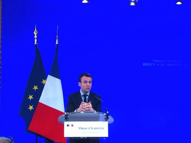 Emmanuel Macron a pris le temps d'écouter les doléances des professionnels suite aux attentats. DR - LAC
