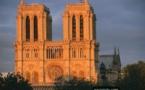 Paris : une intervention policière sur le parvis de Notre-Dame de Paris