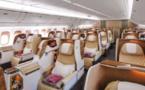 Classe affaires : Emirates installe des sièges-lits plus larges sur les B777-200LR