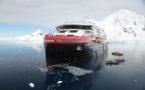 Hurtigruten baptise le MS Roald Amundsen en Antarctique