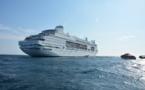 CMV rapatrie des passagers avec une opération de transfert en mer