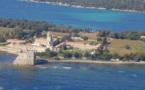 Un second bateau pour la desserte de l'Ile de Saint Honorat au large de Cannes