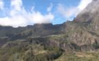 La Réunion : le survol en hélicoptère, un incontournable de la destination (vidéo)