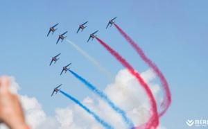 La Patrouille de France prend part à AÉROSNOW 2017 à Méribel