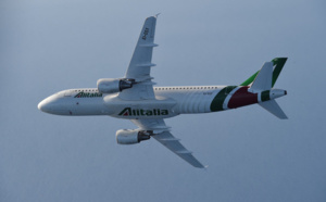 Alitalia adopte un lourd plan de relance, des milliers de postes menacés
