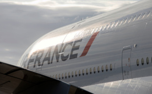 """Air France : la direction tente de trouver """"une solution de compromis"""" pour éviter la grève"""
