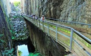Corrèze : plongez dans le monde des ardoisiers en visitant les Pans de Travassac
