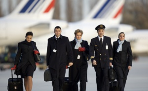 Air France : les PNC attaquent la direction en justice
