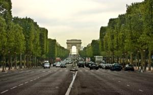 Attentat à Paris : ce que l'on sait après l'attaque des policiers sur les Champs-Elysées
