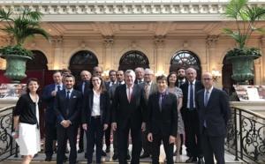 La case de l'Oncle Dom : Confédération des acteurs du tourisme : en avant… marche !