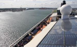 Celebrity Cruises : l'''Equinox'' a accueilli ses premiers passagers