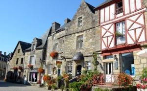 Morbihan : Rochefort-en-Terre, de l'art et des vieilles pierres