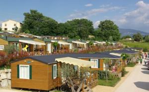 Camping : le mobil-home monte en gamme