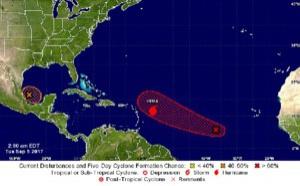 Caraïbes : de nombreux vols annulés et reportés à l'approche de l'ouragan Irma