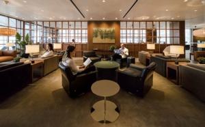"""Cathay Pacific dévoile son nouveau salon """"The Deck"""" (Photos)"""