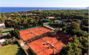 Forte Village Resort : des cours particulier de tennis avec des internationaux
