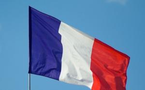 La case de l'Oncle Dom : Pavillon français...on n'est jamais aussi bien trahi que par les siens !