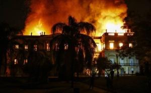 Brésil : le Musée national de Rio ravagé par un terrible incendie