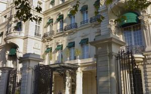 Shangri-La Hotel, Paris : du palais au cinq étoiles