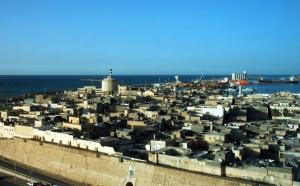 Libye : les voyageurs français rapatriés dans un avion militaire