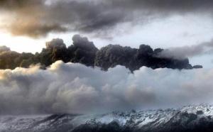 Espace aérien islandais fermé : un autre volcan fait des siennes