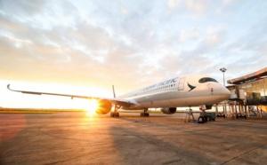 """Coronavirus : des """"vacances forcées"""" pour les salariés de Cathay Pacific"""