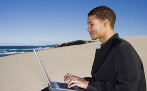 Raffour Interactif :  42% des Français partis ont préparé leur voyage sur Internet