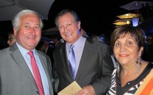 Ajaccio : feu d'artifice sur la baie d'Ajaccio pour l'inauguration du Radisson Blu Ollandini