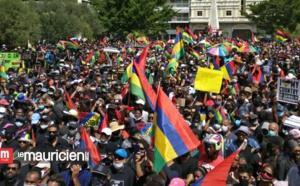 Ile Maurice : une marche noire de monde contre une marée noire