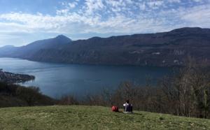 Savoie : en balade au-dessus du lac du Bourget...
