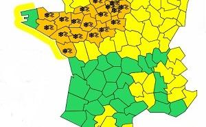 Météo France : 22 départements de l'Ouest et du Centre en alerte orange