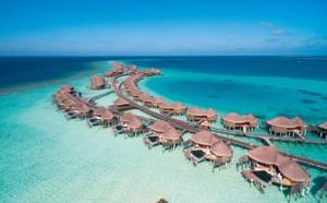"""Podcasts """"Voyagez confiné"""": Découvrez les Maldives dans cette interview de Tangi Le Grand directeur de l'hôtel Constance Halaveli"""